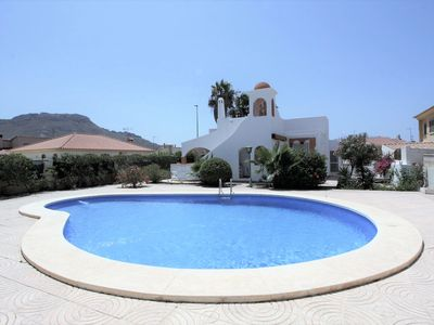 Photo for Caracas, villa with garden, roof terrace and shared swimming pool