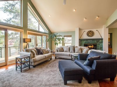 Photo for Sunriver Chalet: FREE SHARC Passes,2 Fireplaces, Hot Tub, Ping Pong - HICK02