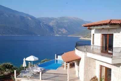 Sea Side villa with Private Pool and great views of the Cukurbag Bay