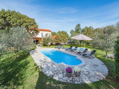 Photo for Villa with private pool near Duga Uvala beaches