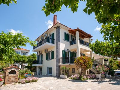 Photo for Lovely Studios With Lush Garden Close To The Beach