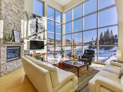 Photo for Large modern condo with beautiful views! Relax around the fireplace after a day of play on the mount