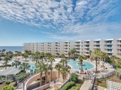 Photo for Lovely Floral-Themed Condo On Okaloosa Island! Steps To Beach! Lazy River
