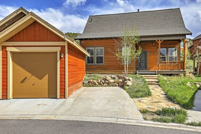 Retreat to the mountains at this Granby vacation rental house!