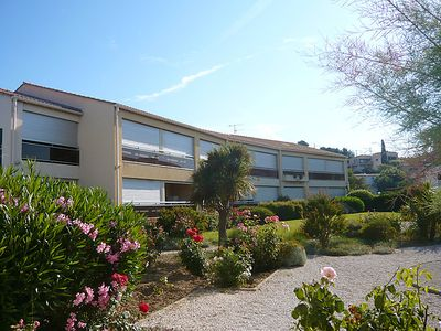 Photo for Apartment La Plage Dorée in Sanary sur Mer - 4 persons, 1 bedrooms