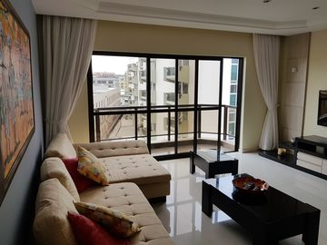 Luxury apartment to 20m from Praia do Forte and 1 block from Malibu
