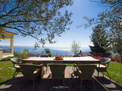 Photo for Beautiful villa with sea view and pool in Kvarner