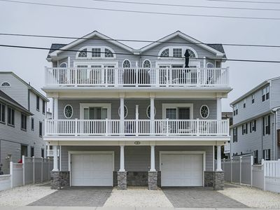 Photo for TRUE BEACH-BLOCK TOWNHOUSE  , NO STREETS TO CROSS TO GREAT BEACH