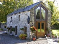 Stunning location,very wonderful and friendly host.A fantastic stay.