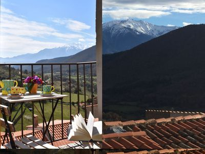Photo for Charming and sunny, stunning view on Pyrenees