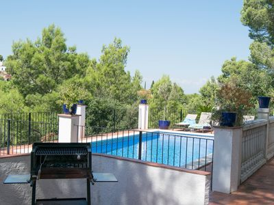 Photo for Detached Villa in a Quiet Residential Area. Wifi, Pool , Tv Satellite. Fans
