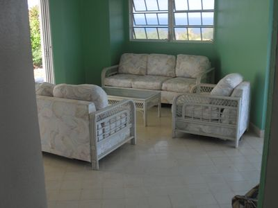Spacious living room with oceanviews and two sliding glass doors, nice breezes