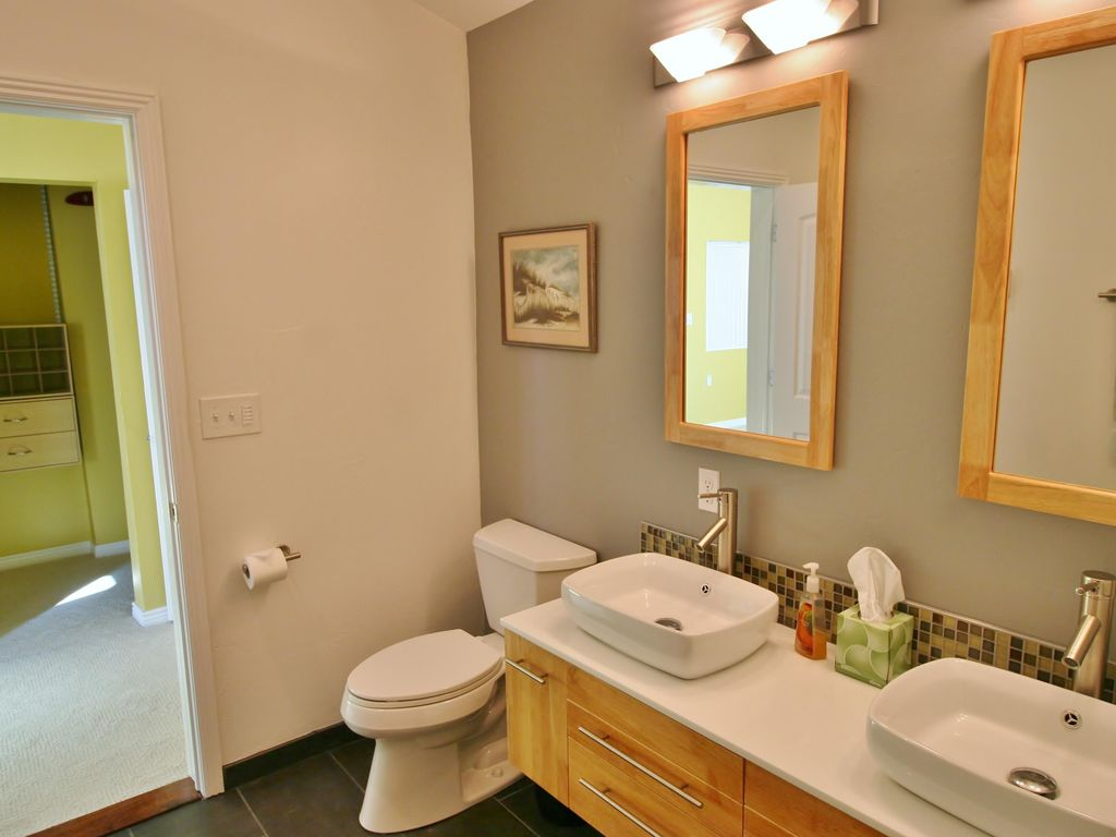 Huckleberry - Large home w/ Master Suite and SPA shower!