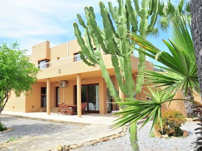 Photo for Holiday villa in a quiet neighborhood, 5 minutes from Ibiza Town