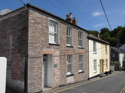 Photo for Holiday home with garden and two bathrooms, situated in the village of Padstow