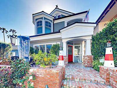 Exterior - Your rental offers a prime location in the heart of Balboa Island.
