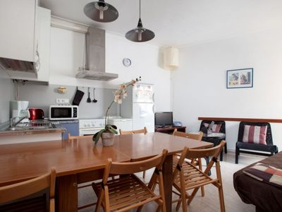 Photo for Tarradellas B apartment in Les Corts with WiFi, air conditioning & private parking.