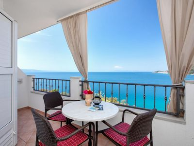 Photo for One bedroom apartment with terrace and sea view Drašnice, Makarska (A-2581-a)