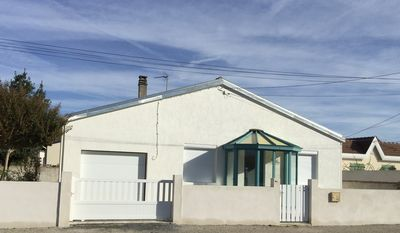Photo for CHARMING VILLA (70m2) FULLY RENOVATED SEASIDE