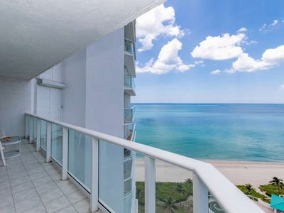 Photo for Oceanfront 1B/2Baths Condo on the Beach Min 6 months