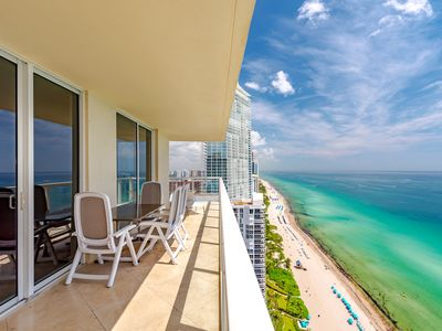 Photo for DIRECT OCEAN FRONT CORNER RESIDENCE! SPECTACULAR CONDO, GREAT LOCATION! VIEWS!