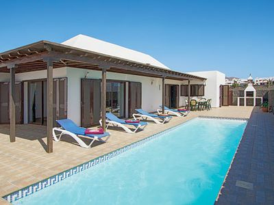 Photo for Villa w/ accommodation for up to eight people, featuring Wi-Fi and pool