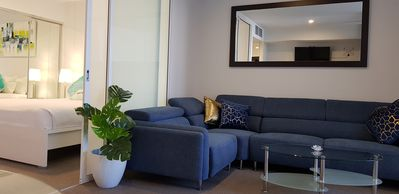 Photo for Spacious 2 Bed city apartment+BBQ+pool+gym+ Free parking