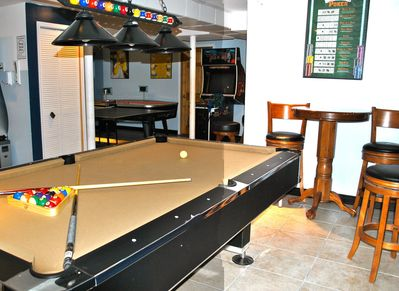 You can play pool, poker, arcade house the dead, ping-pong, airhockey, xbox& Wii