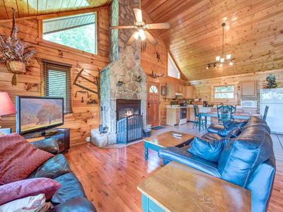 Dreamweaver, 2 Bedrooms, Sleeps 5, Hot Tub, Mountain View, Grill, WiFi
