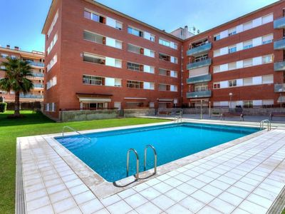 Photo for Lloret de Mar Apartment, Sleeps 6 with Pool, Air Con and Free WiFi