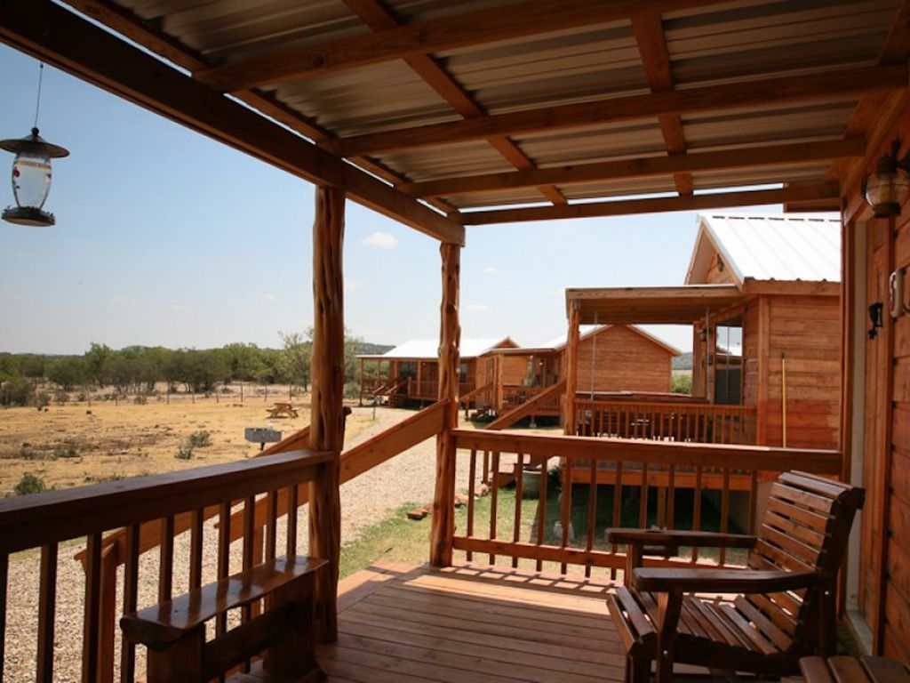 hill cabins fredericksburg the inn tx lodge cottages country at