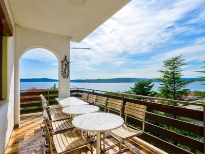 Photo for Holiday apartment Crikvenica for 12 - 14 persons with 6 bedrooms - Holiday apartment