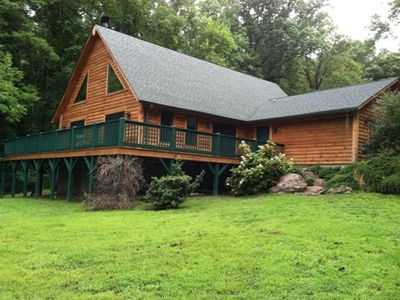 Photo for Secluded Living Close In