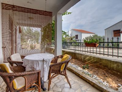 Photo for Vanda Petra apartment in Mali Losinj with WiFi, air conditioning & shared terrace.