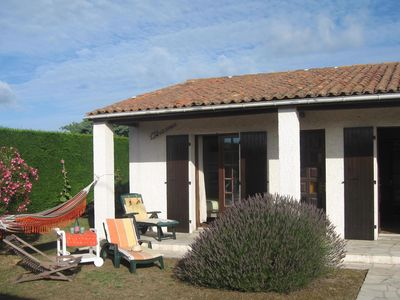 Photo for Promotion: House 6 pers, fenced 600m2, 400m beach, sea and shops