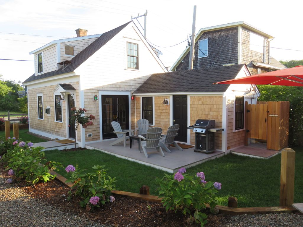 patrick in condo pet rentals rooms gabriels cottages michael vacation friendly hotel ma provincetown slideshow