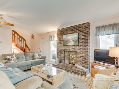 Photo for Pet Friendly Newly Updated Home + FREE DAILY ACTIVITIES!