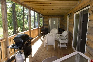 Beautiful lower Deck with bar and gas grill