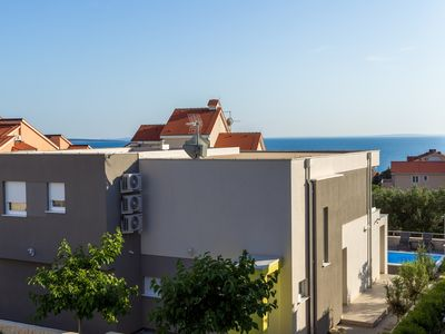 Photo for Deluxe Apartment with Terrace and Pool view