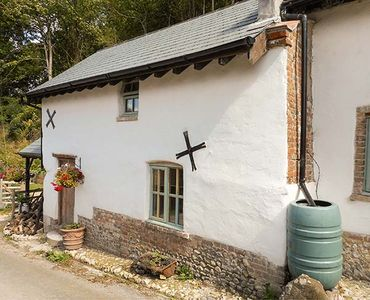 Photo for THE OLD DAIRY, pet friendly, with open fire in Dewlish, Ref 927142