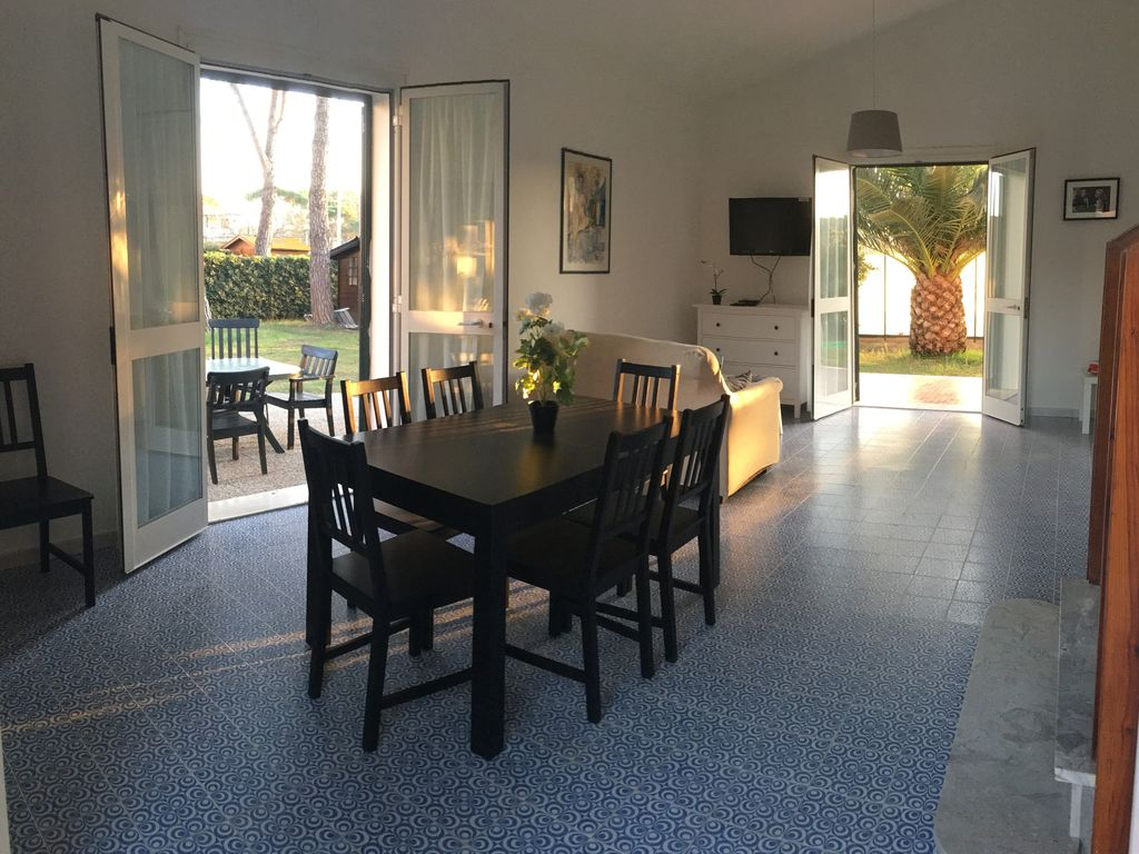 Marina Di Castagneto Carducci Apartment Rental   The Wide Hall Of Flat 63  Is Ideal For