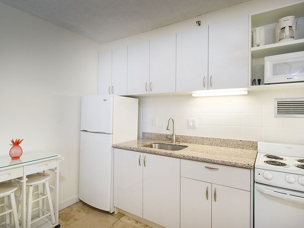 Cozy Studio in Heart of Waikiki! Weekly 5%, Monthly 20% Discount!!!, Waikiki,Honolulu,Oahu ...