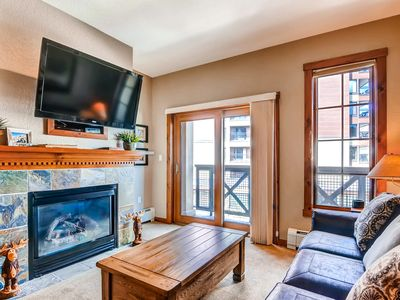 Photo for Great condo with luxury amenities and private balcony