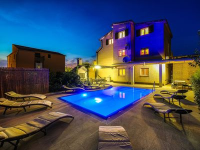 Photo for 3 bedroom apartment with heated pool