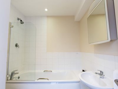Photo for Cosy Studio Apartment - 5 Minute Walk from Sloane Square - NGH