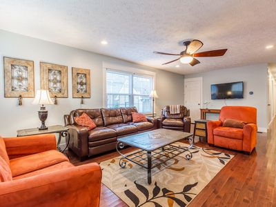 Photo for Largest Listing in ATL - 8 BRs, sleeps 20 in beds