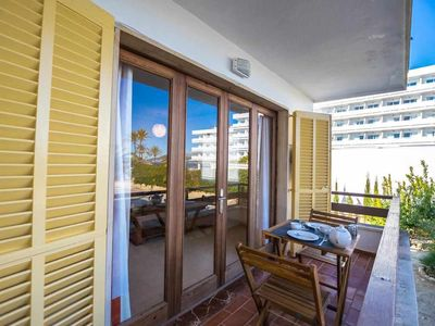 Photo for Nice renovated apartment 100 meters from the beach with Air Conditioning