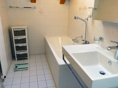 Photo for Apartment Eaux Vives 201 in Ovronnaz - 4 persons, 2 bedrooms