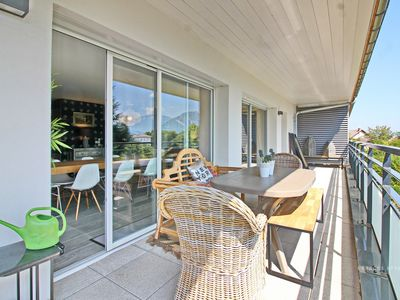 Photo for Large apartment in contemporary chalet, panoramic views of the mountains,