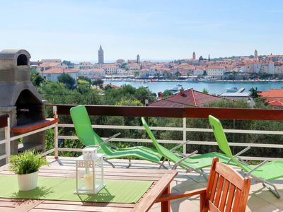 Photo for Apartment Maria (RAB321) in Rab/Rab - 6 persons, 2 bedrooms